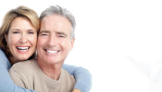 Mann-und-Frau-lächeln